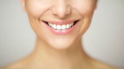 5 tips para conseguir unos dientes mas blancos con productos naturales
