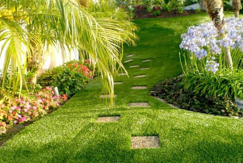 Decora tu jard n a adiendo c sped artificial realista eslife for Decora tu jardin