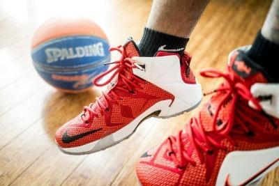 Libertad para elegir disenos de zapatillas en la NBA