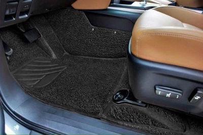 Limpiar las alfombrillas de tu coche en solo 4 pasos