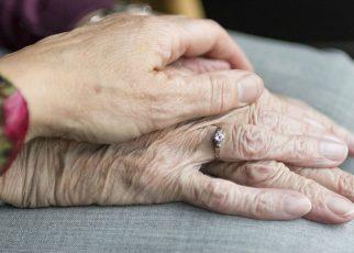 Accede al mercado laboral de la geriatria