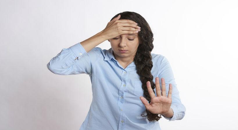 persona cansada y con estres