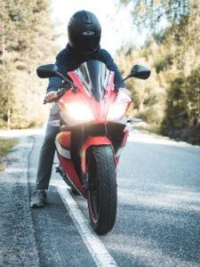O capacete é a coisa mais importante em uma motocicleta