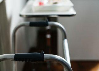 Cuidado profesional de enfermos en hospitales