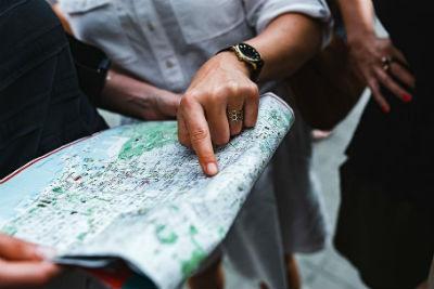 Por qué viajar en grupo