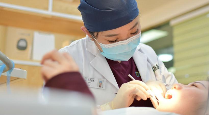 Cuándo acudir a un dentista de urgencias