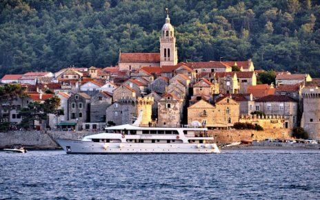 12 playas para conocer en Croacia en un yate