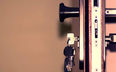 Solicitar servicios de un cerrajero